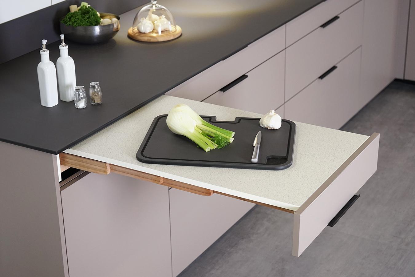Table Coulissante Sous Plan De Travail Éléments d'organisation - cuisines kocher